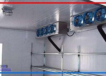 Câmara frigorífica para armazenar gelo